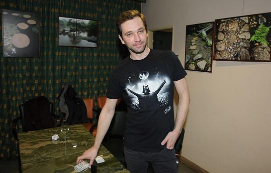 Ondřej Sokol se profiluje také jako divadelní i filmový režisér.