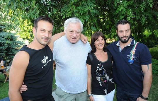 Noid s rodiči a bratrem Štěpánem