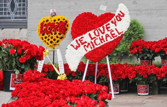 Takhle vypadala vzpomínka na zpěváka díky projektu Růže pro Michaela.