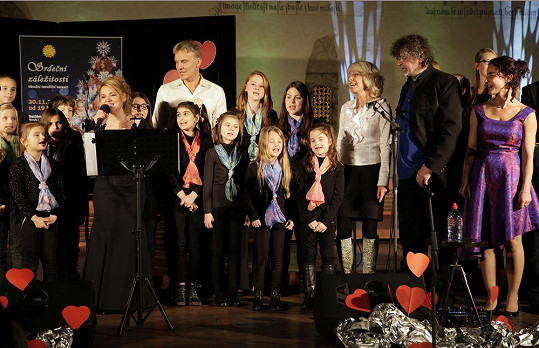 Kromě dětského sboru se koncertu účastnili i Martin Maxa, Marcela Březinová a Petr Dopita.