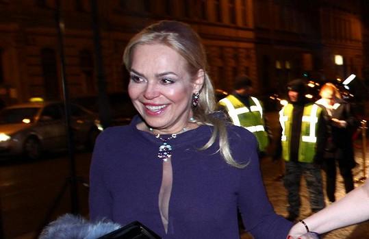 Dagmar si oblékla velmi elegantní šaty.