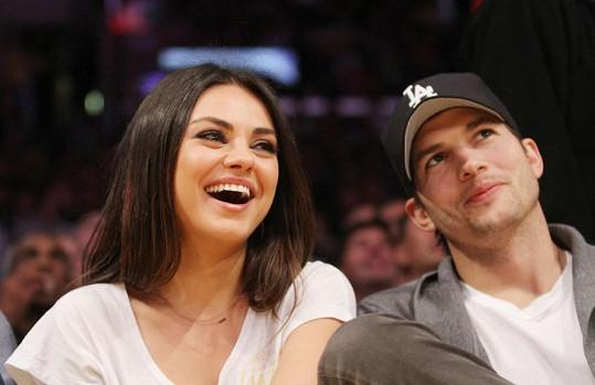 4. Mila Kunis a Ashton Kutcher
