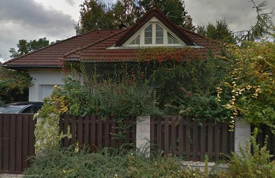 Dům Ivety Bartošové v Uhříněvsi, o který málem přišla.