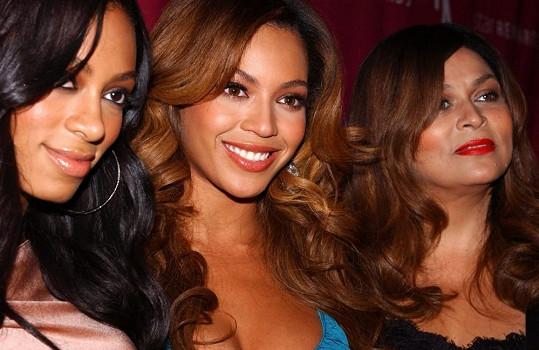 Beyoncé se sestrou Solange a matkou Tinou Knowles na archivním snímku