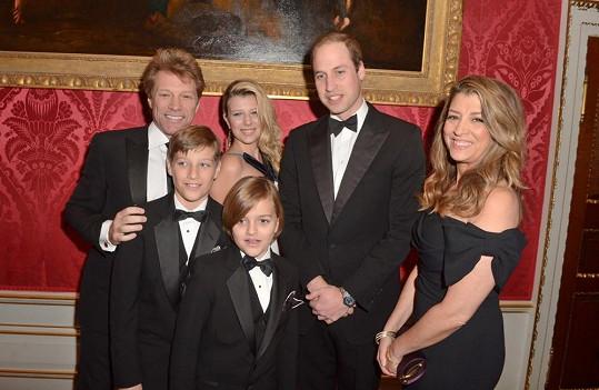 Rocker s manželkou a jejich dětmi se loni v listopadu vyfotili s princem Williamem.