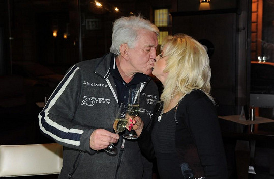 Jiří a Hana Krampolovi byli jako dvě hrdličky.