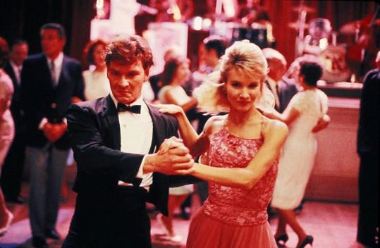 Cynthia jako Penny v Hříšném tanci