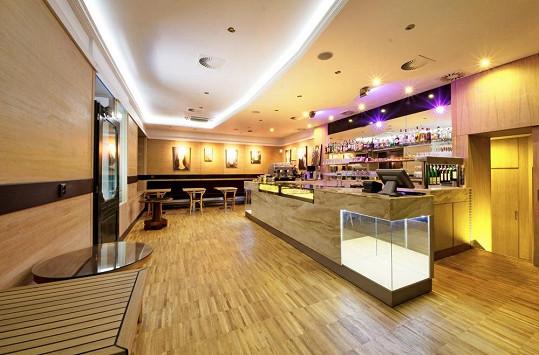 Nová kavárna Petra Makovičky vypadá luxusně.