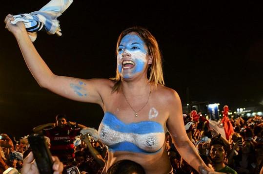 Fanynky Argentiny jsou hodně odvážné.