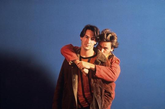 River a Keanu ve filmu Mé soukromé Idaho (1991). Společně kamarádili a taky experimentovali s drogami.
