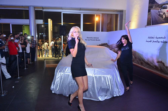 Kateřina prezentovala na Blízkém východě nový typ vozu.