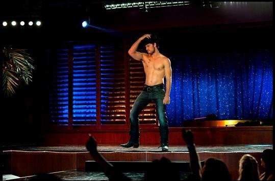 Alex je s Channingem Tatumem hlavní hvězdou komedie Bez kalhot.