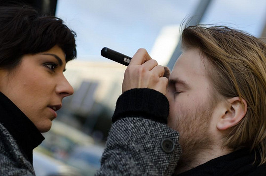 Marta Ondráčková líčila svého přítele na focení.
