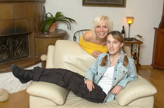 Hana Čížková s adoptivní dcerou Janou v roce 2006