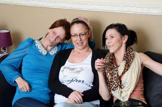 Všechny tři ženy postihla stejná nemoc.