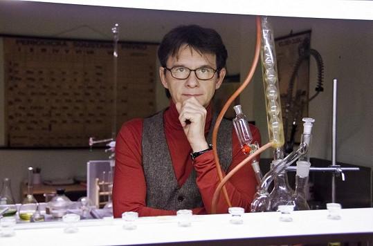 Novou postavou v seriálu bude i profesor chemie Ctirad Volejník v podání Jana Šťastného.