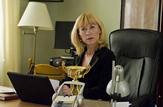 Novou ředitelkou gymnázia se stane Irena Nerudová, kterou hraje Dana Batulková.