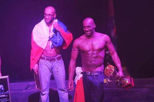 První místo vyhrál striptér Kenzo z Francie, český účastník Sabri skončil stříbrný.
