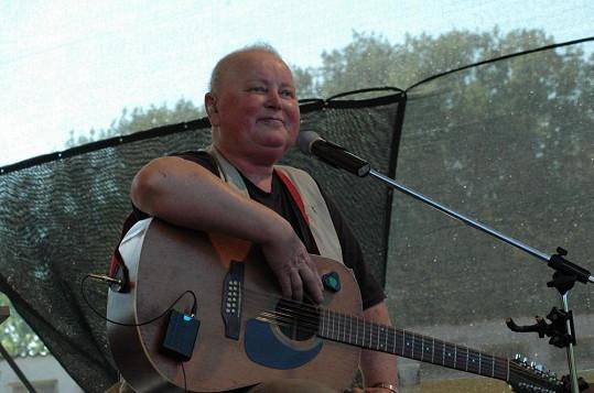 Novák řadu let bojoval s rakovinou. Nemoci v roce 2009 podlehl.