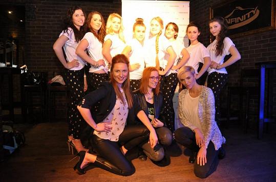 Romana Pavelková a Hana Mašlíková si vzaly do parády mladé dívky, které si přejí stát se modelkami.