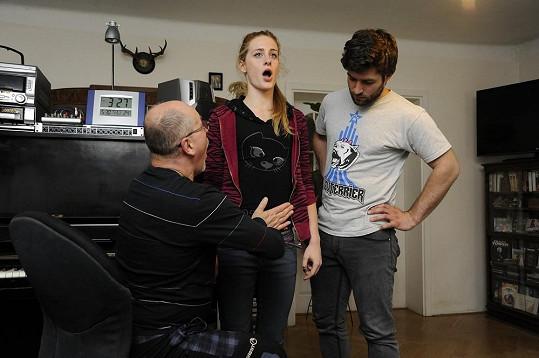 Štefan Pčelár a Sabina Křováková trénují své unavené hlasivky u foniatra.