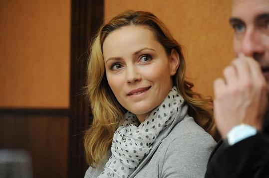 Oblíbená herečka vypadá pořád úžasně.