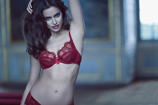 Vedení čínské módní značky La Clover vědělo, proč si vybrat právě Irinu.