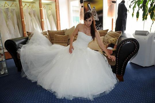 Šaty jsou jako pro princeznu.