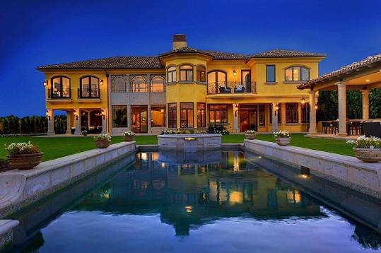 Tato nemovitost se znovu dostane na realitní trh v Bel Air.