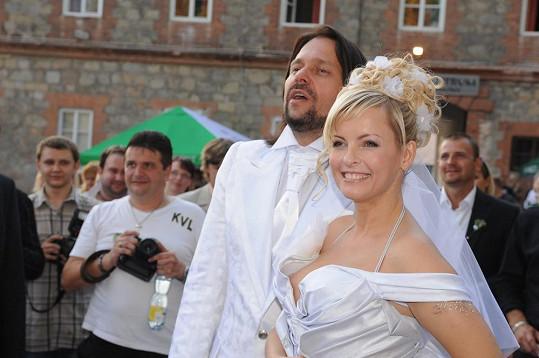 První manžel Ivety nevypadal jako její dědeček.