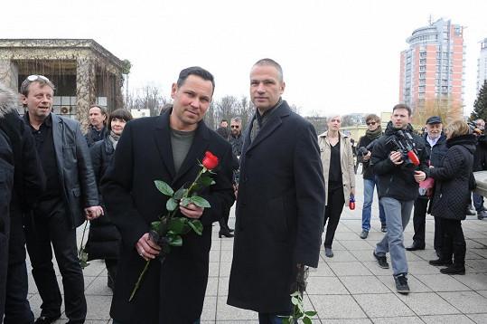 Janis Sidovský a Pavel Vítek se včera vrátili z dovolené na Srí Lance a byli rádi, že pohřeb stihli.
