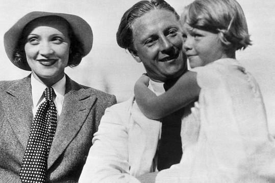 Marlene se svým mužem Rudolfem Sieberem a malou dcerou Mariou Rivou