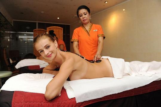 Ivana Jirešová na masáži