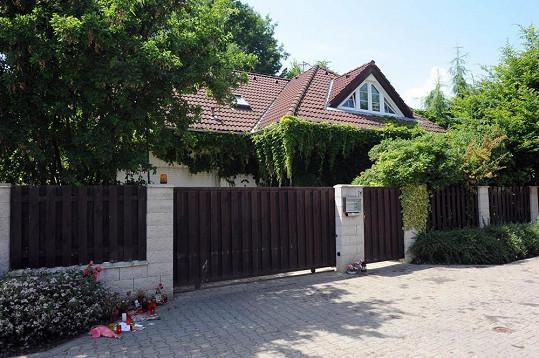 Vila Ivety Bartošové. Teď ji vlastní syn. A prodává ji.