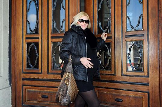 Ornella včera nastoupila do porodnice v Podolí.