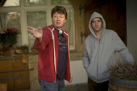 Film režíruje Karel Janák, který je podepsán pod úspěšnými komediemi Snowboarďáci a Rafťáci.