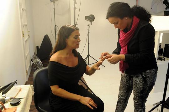 Šperky pro Mahulenu vybírala Renata Gurellová ze společnosti, která reklamu nechává fotit.