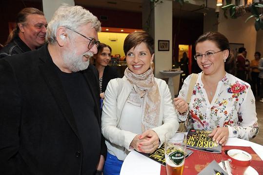 Markéta Fialová s kolegy na představení charitativního projektu Dobrý anděl.