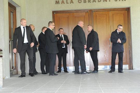 Tito muži zajistí důstojný průběh Ivetina pohřbu.