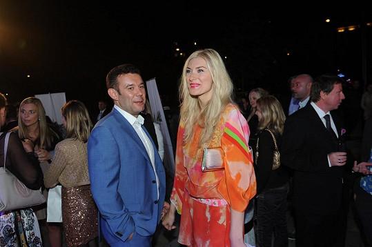 Aneta Faitová s přítelem Vildou, kterého si v sobotu bere za manžela.