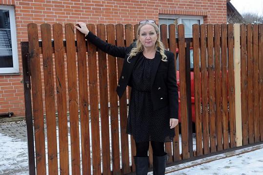 Bára přijela na návštěvu do Uhříněvsi, kde nepotřebovala výrazné líčení.