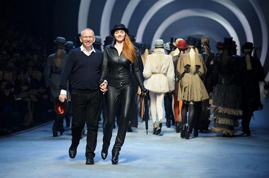 Na fashion show Jeana Paula Gaultiera