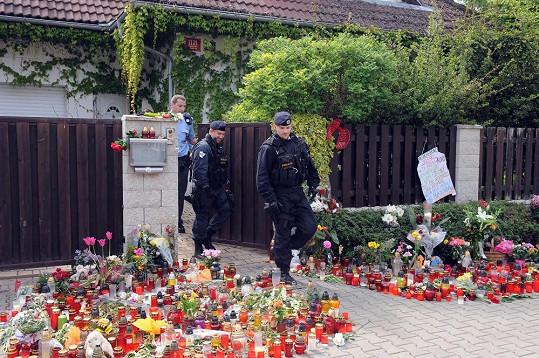 Policie je v ulici jako doma.