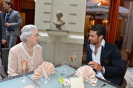 Mary se zapovídala s nejkrásnějším mužem světa Ali Hammoudem.