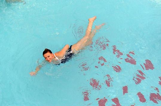 Yvetta se bez sportu neobejde. Plavání patří k jejím oblíbeným koníčkům.