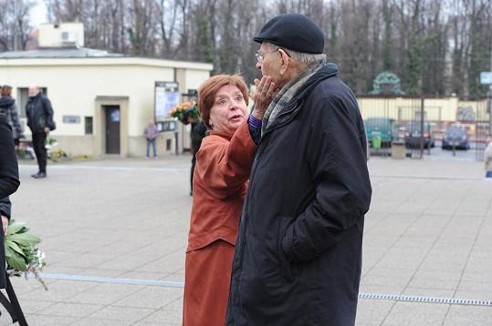 Miriam Kantorková na pohřbu Věry Tichánkové