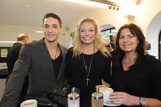 Lucie s Michalem a maminkou