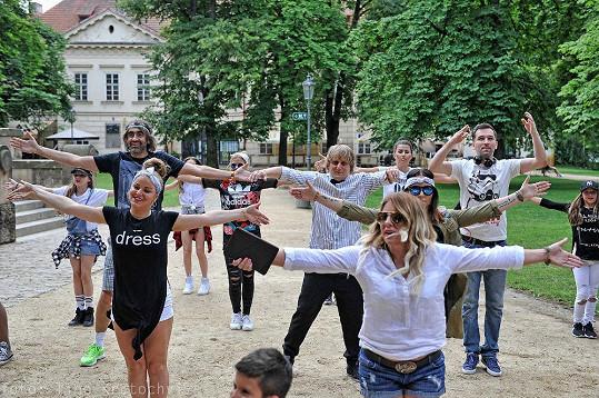 Taneční choreografii se učili společně s dalšími dobrovolníky. Předvedou ji už co nevidět na Festivalu sportu, tance a zábavy na brněnských veletrzích.