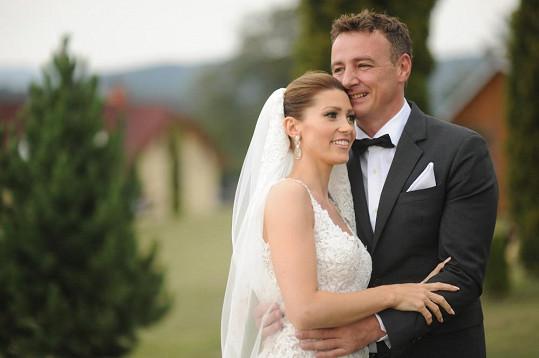 Loni se vzali.