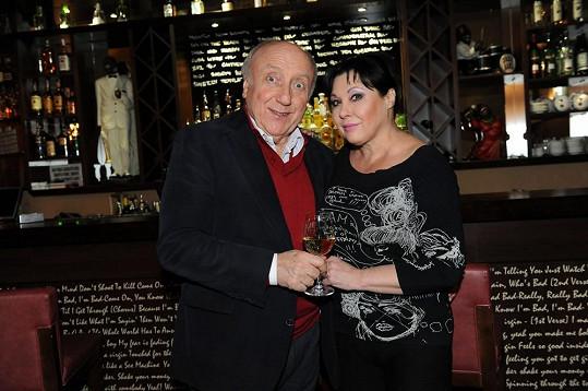 Felix Slováček s manželkou Dagmar Patrasovou.